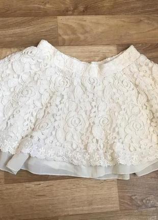 Красивая нарядная юбка с кружевом