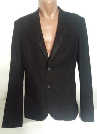 Пиджак классический для особых случаев, концертный
