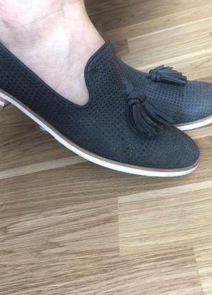 Кожаные туфли/перфорация . бренд leone