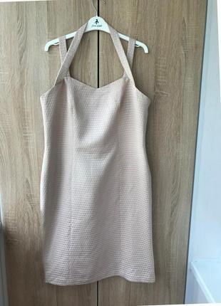 Красивое нежное платье-футляр с переплетом на шее (uk16 - наш 50)