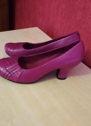 Новые яркие туфли, натуральная кожа