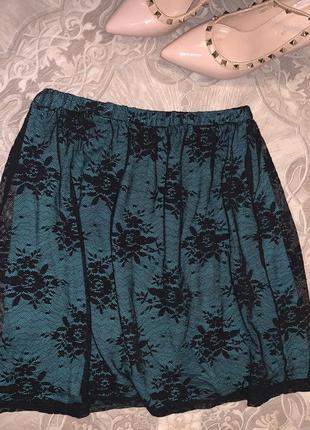 Кружевная изумрудная юбка