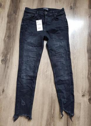 Зауженные джинсы с потертостями zara man