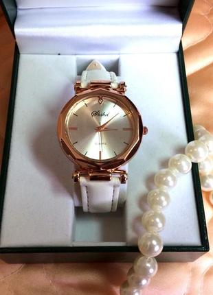 Женские наручные часы elegant quartz watz