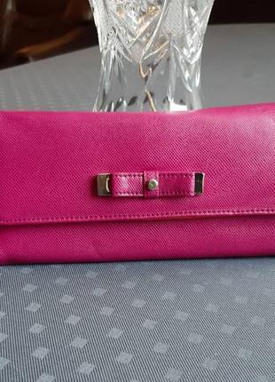 Новый розовый большой кошелек фирмы liz claiborne