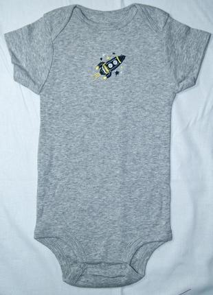 Боди для мальчика: carter's - ракета. серый хлопковый бодик для новорожденного