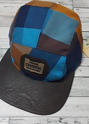 Модная кепка dembo house
