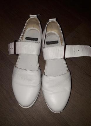 Кожаные удобные туфли босоножки