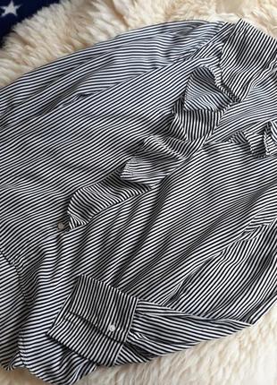 Трендовая блуза с рюшами zara