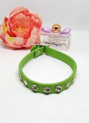"""Яркий кожаный браслет """"зеленый"""" с кристалами и заклепками"""