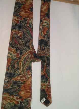 Фирменный красивый  галстук