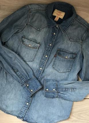 Джинсовая рубашка levi's m-l