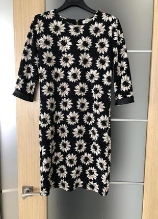 Красивое нежное платье в цветы