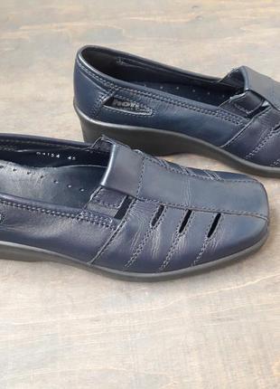 Кожаные туфли балетки hotter