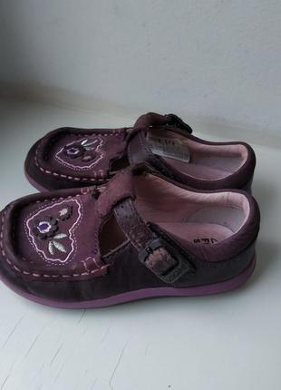 Закрытые туфли босоножки clarks 6f 25р. 15 см.