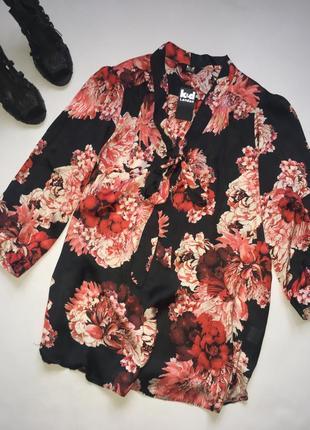 Новая яркая блуза в принт с воротом- бантом xxl
