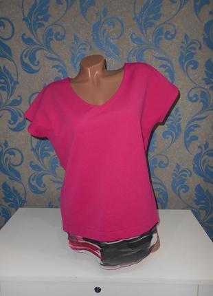 Очень красивая футболка-блуза, качественная структурная ткань