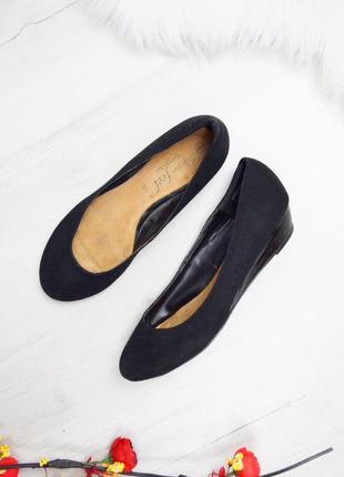 Чёрные балетки туфли на не высокой платформе под замш