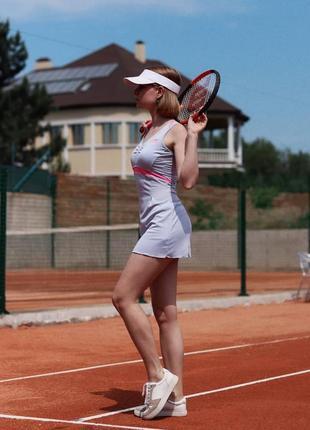 Спортивное платье для тениса
