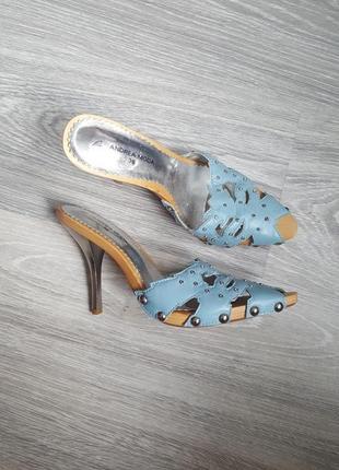 Срочно! новые сабо мюли босоножки нарядные голубые на каблуке 35 36