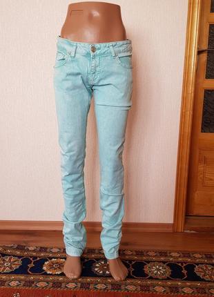 Стильні літні джинси.