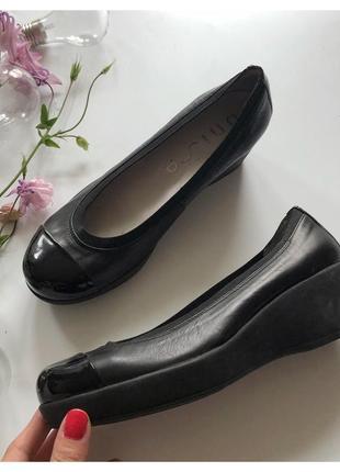 Кожаные туфли на платформе unisa pp 39