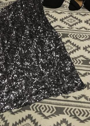 Эксклюзивное платье в пайетках на одно плече7 фото