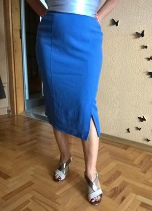 Модная юбка стильного в этом сезоне оттенка