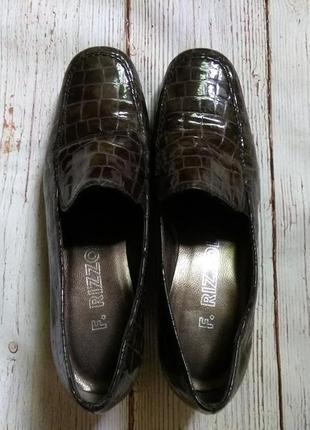 Легенькие туфли на танкетке f. rizzolli