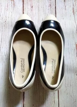 Стильный лакированные туфли лодочки на широкую ногу comfort plus