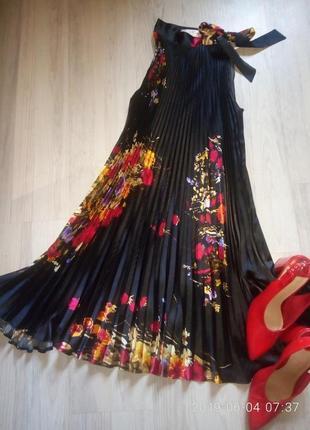 Бомбезное сатиновое платье плиссе