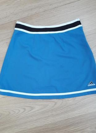 Невероятно красивая, удобная и спортивная голубого цвета юбка. adidas