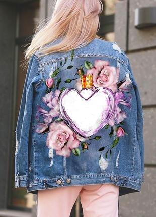 Модная джинсовка оверсайз с рисунком на спине.