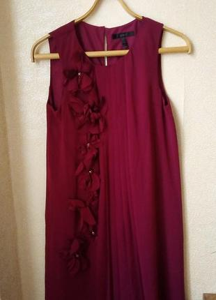 Лёгкое красивое платье с плиссеровкой