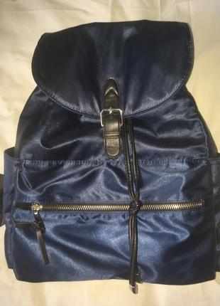 Очень красивый рюкзак