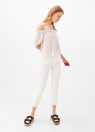 Блуза со спущенными плечами в полоску