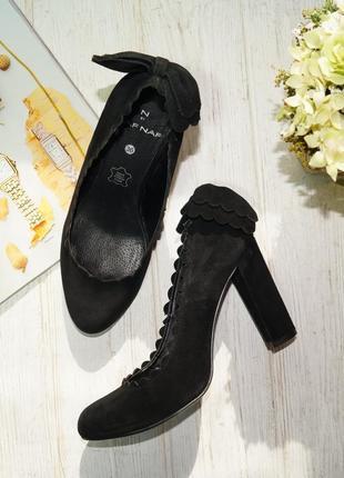 Naf naf. кожа. базовые туфли на устойчивом каблуке