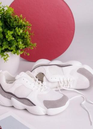 Белые летние кроссовки с серыми вставками сетка