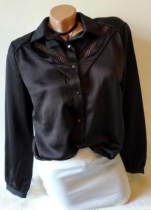 Базовая сатиновая рубашка с перфорацией на груди атласная шелковая