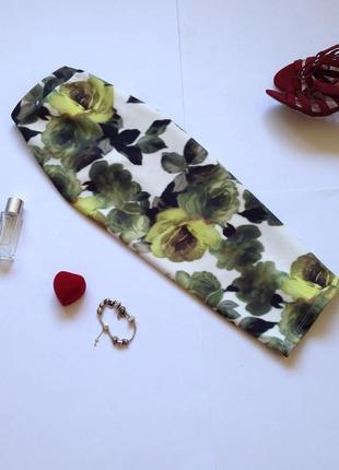 Светлая зеленая юбка  миди карандаш по фигуре с цветочным принтом  atmosphere