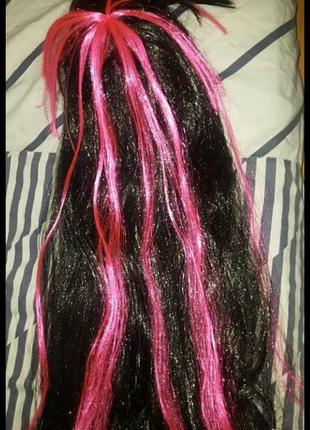 Парик карнавальный цвет черный с ярко розовыми прядями. дл 64 см