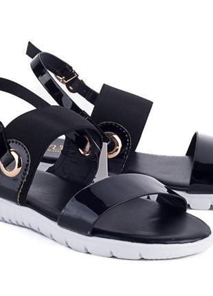 Босоножки на резинках!черные сандалии!