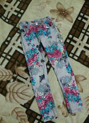 Джинсы на 8-9 лет модные стильные джинсовые штаны