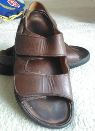 Продаю кожаные босоножки унисекс