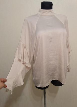 Стильная лёгкая блузка с воланами ,воротник стойка h&m
