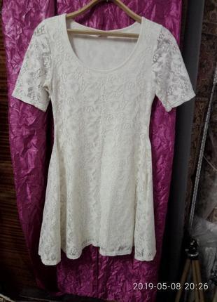 Белое брендовое гипюровое платье