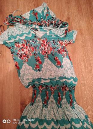 Платье с капюшоном длинное в пол