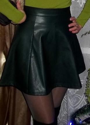 Юбка темно-зеленого кольору