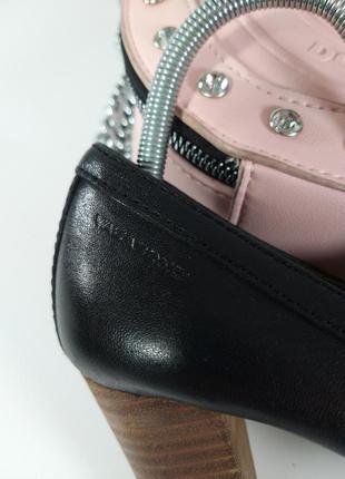 Кожаные туфли на каблуке5 фото