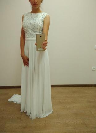 Чудесное белое платье